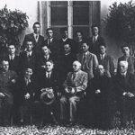 Mario Zeduri giovane studente nella fotografia di fine anno con compagni e professori del Liceo Sarpi