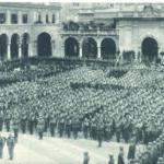 Bergamo, Piazza Vittorio Veneto, 17 maggio 1935.Cerimonia di commiato ai legionari in partenza per l'Africa. Foto A. Terzi
